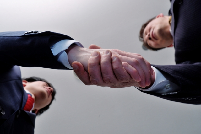親族間なのに事業承継でもめるのはなぜ?よくあるトラブルと解決策とは